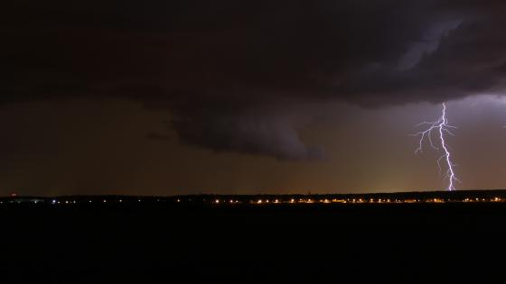 Wall Cloud & Cloud-to-Ground Lightning wallpaper