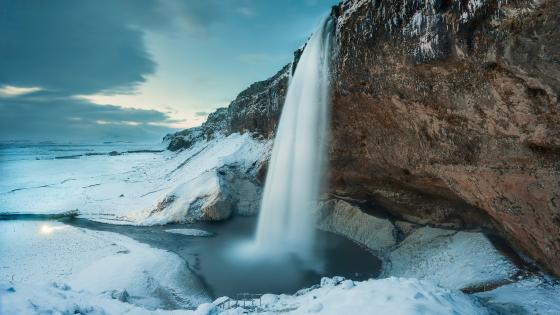 Seljalandsfoss waterfall, Iceland wallpaper