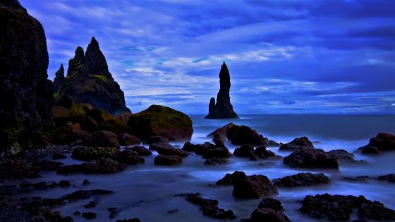 Reynisfjara beach and sea stacks wallpaper