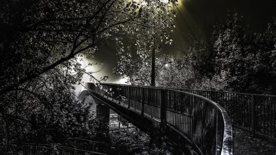 Footbridge at night wallpaper