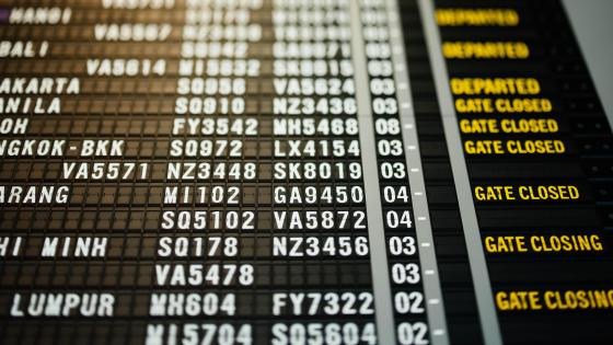 Flight Information Display at Singapore Changi Airport wallpaper