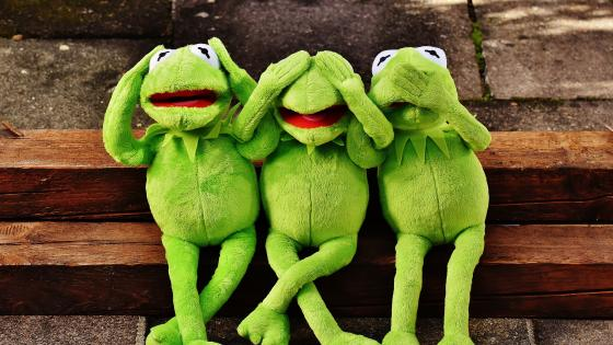 Kermit the Frog as the three wise monkeys wallpaper