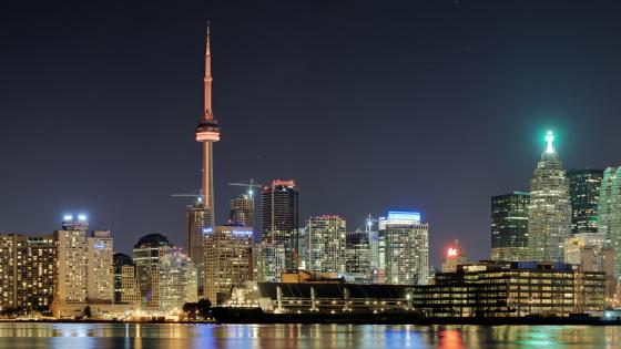 Toronto Skyline and the CN Tower wallpaper