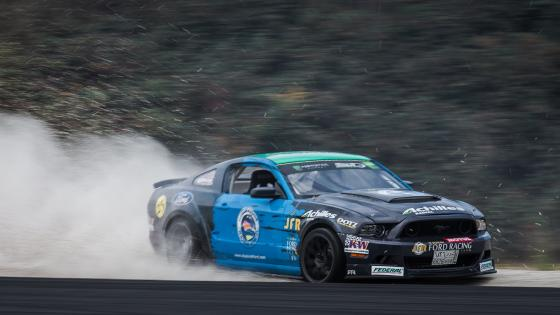 Ford Mustang Drifting wallpaper
