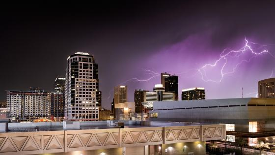 Lightning in Phoenix, AZ wallpaper