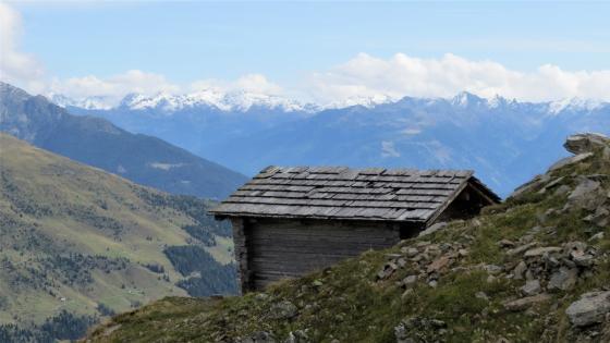 small hut wallpaper