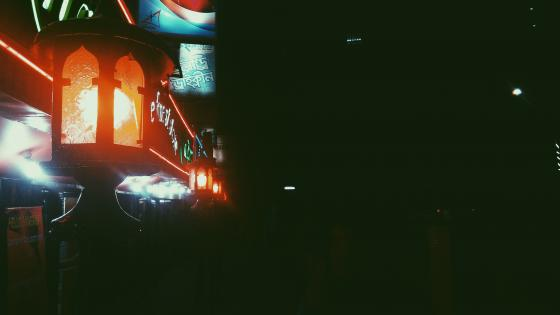 Restaurant Lanterns wallpaper