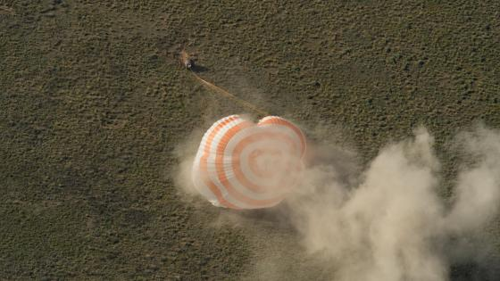 Expedition 35 Landing Aboard the Soyuz TMA-07M wallpaper