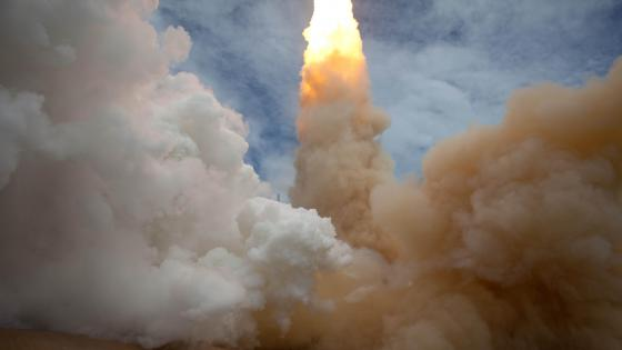 The Exhaust Plume of Space Shuttle Atlantis wallpaper