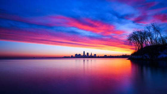 Lake Erie and Cleveland at sunset wallpaper
