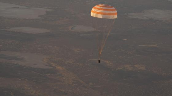 Expedition 37 Soyuz Landing wallpaper