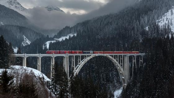 Train Crossing the Langwieser Viaduct wallpaper