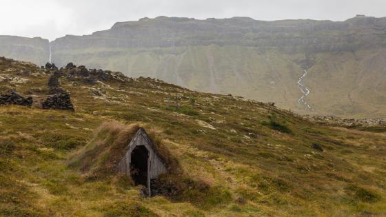Abandoned Icelandic Turf House wallpaper