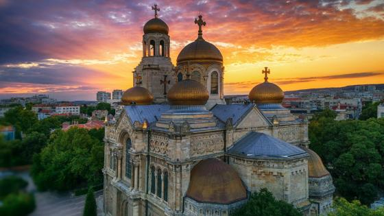 Dormition of the Mother of God Cathedral, Varna wallpaper