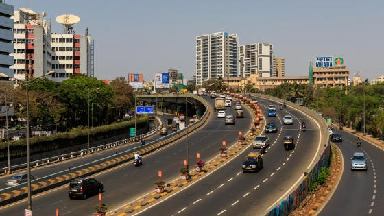 The Western Express Highway in Mumbai wallpaper