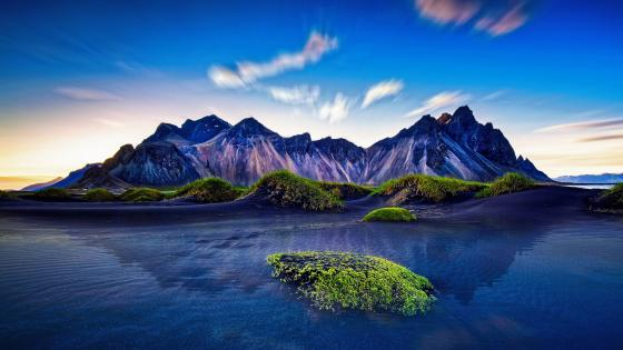 Vestrahorn Mountains (Stokksnes) wallpaper