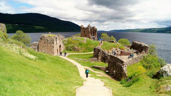 Urquhart Castle wallpaper
