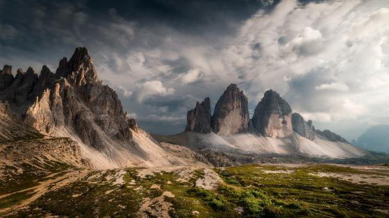 Three peaks of Lavaredo (Tre Cime di Lavaredo) wallpaper