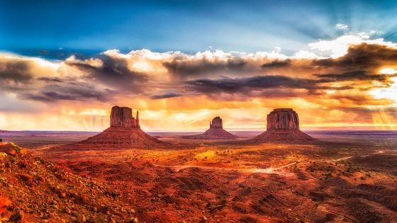 West And East Mitten Buttes wallpaper