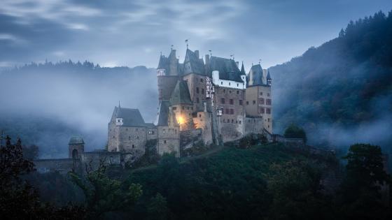 Burg Eltz wallpaper
