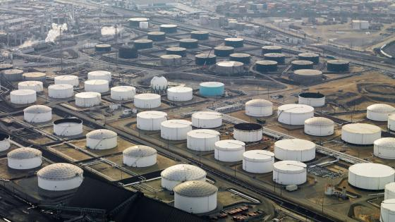Liquid Storage Tanks at an Oil Refinery in Los Angeles wallpaper