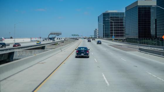 Driving on the Glenn Anderson Freeway wallpaper