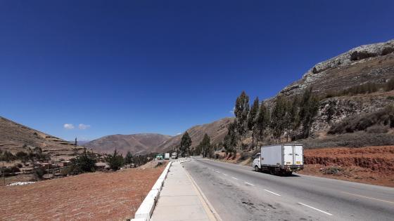 High road  wallpaper