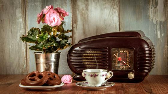 Coffee and Vintage Radio wallpaper