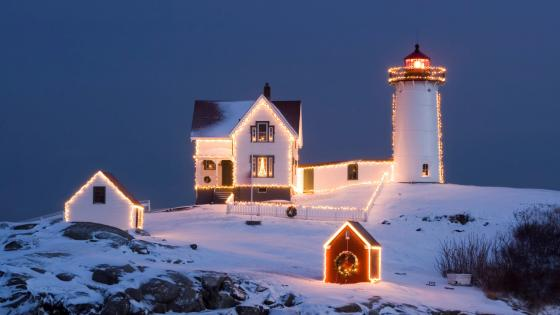 Nubble Lighthouse at Christmas wallpaper
