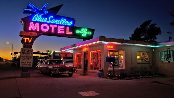 Blue Swallow Motel wallpaper
