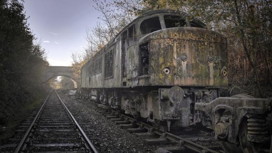 Rusty train wallpaper