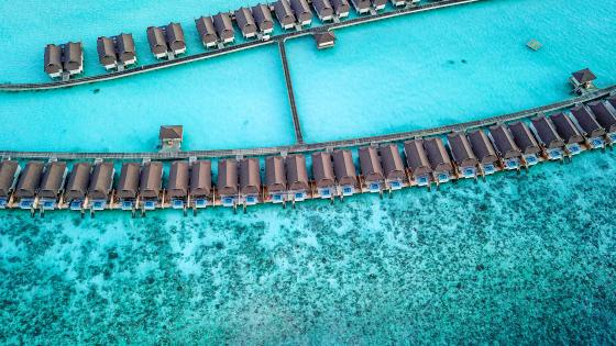 Overwater bungalows in Maldives wallpaper
