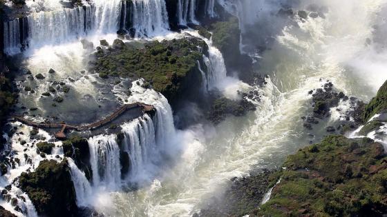 Cataratas del Iguazú (Iguazu Falls) wallpaper