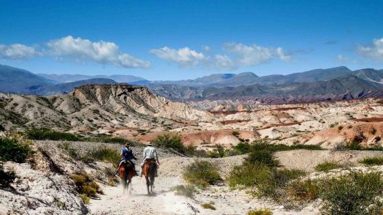 Horseback riding in Salta (Argentina) wallpaper