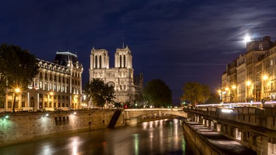 Notre Dame and Seine River wallpaper