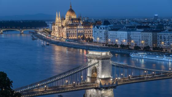 Budapest by night wallpaper