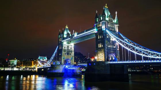Tower Bridge by night wallpaper
