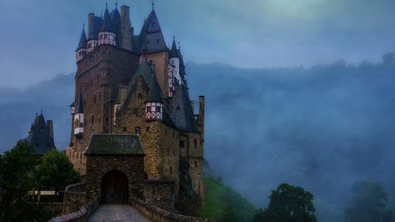 Eltz castle wallpaper