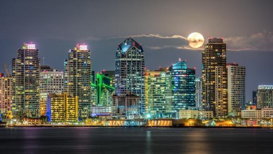 San Diego at full moon wallpaper