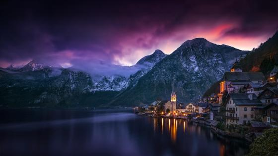 Purple clouds above Hallstatt wallpaper