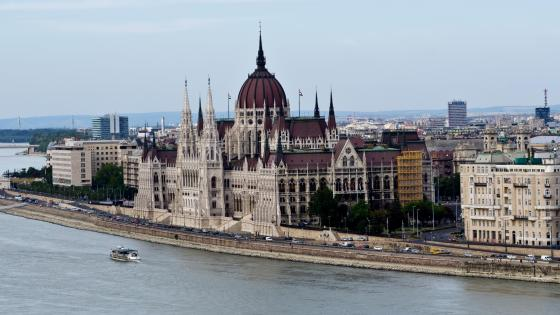 Hungarian Parliament Building wallpaper