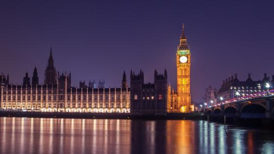 Big Ben at night wallpaper