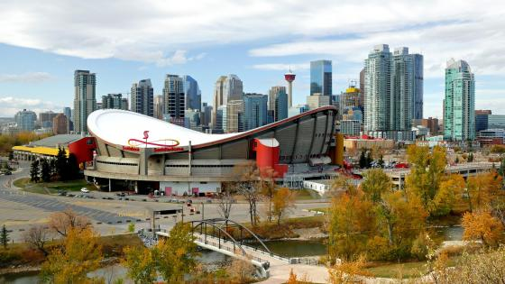 Scotiabank Saddledome & the Calgary Skyline wallpaper