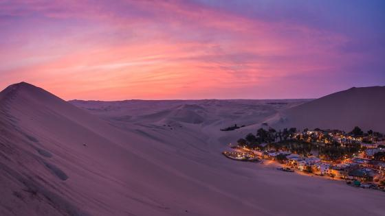 Sand dunes near oasis Huacachina, Peru wallpaper
