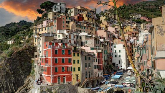 Manarola, Italy wallpaper