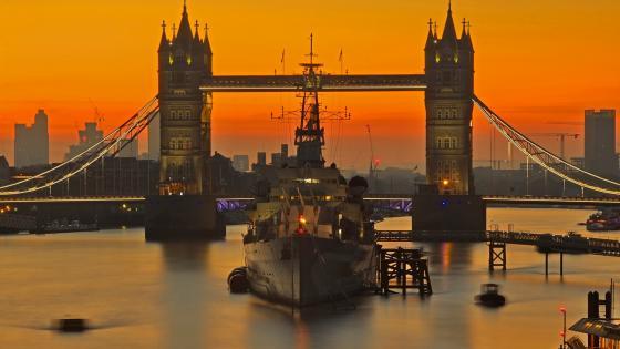 Tower Bridge at sunset wallpaper