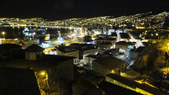 Valparaiso at night wallpaper