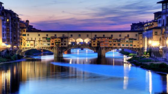 Ponte Vecchio at dusk wallpaper