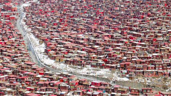 Larung Gar, Sichuan, China wallpaper