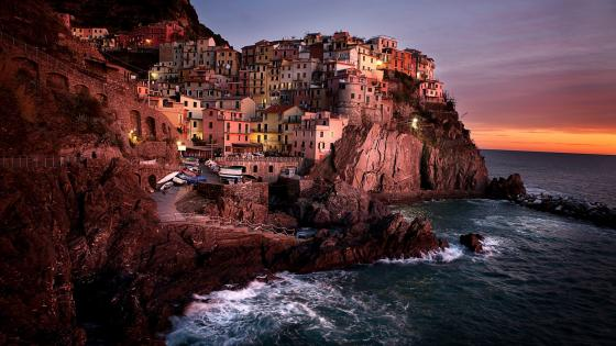 Manarola at sunset wallpaper